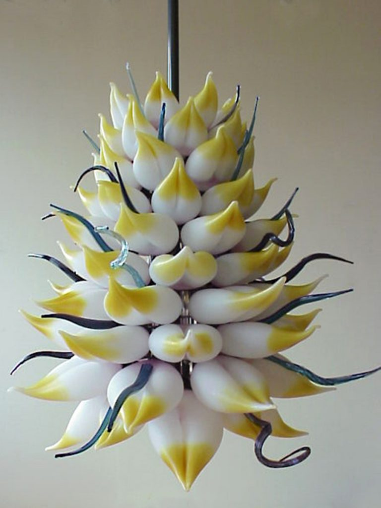 Royal_Chandelier_Commission_Lotus_LotusChandelier_Blownglass
