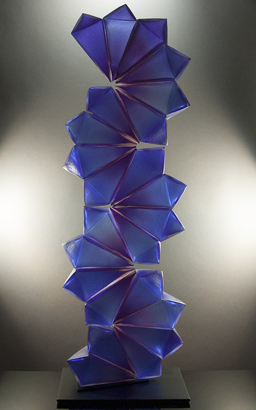 Royal_Geo14-19_CobaltBlueBlush_Geometric_blownglass